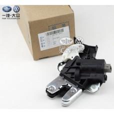Штатный замок багажника для Volkswagen Jetta / Passat / CC