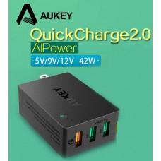 Адаптер быстрой зарядки AUKEY Qualcomm Quick Charge 2 порта 2.4A +2.0A