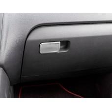 Алюминиевая накладка  на ручку бардачка Volkswagen Polo